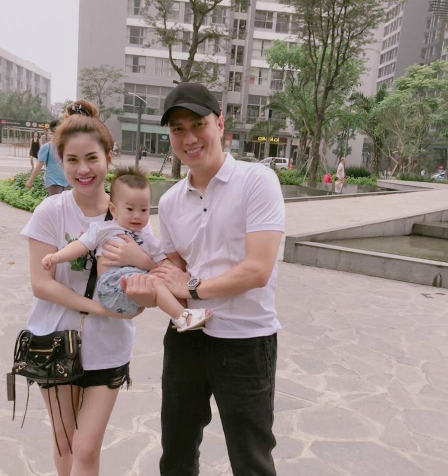 Gia đình hạnh phúc của diễn viên Việt Anh.