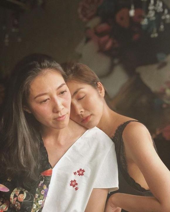 Bức ảnh được Tăng Thanh Hà đăng cách đây không lâu. Bà xã Phạm Anh Khoa gầy gò, tiều tụy.