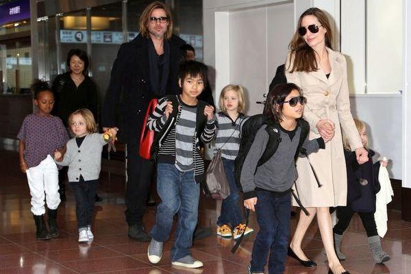Gia đình Angelina Jolie và Brad Pitt lúc còn hạnh phúc.
