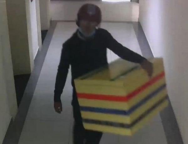 Kỹ năng tự vệ khi bị tấn công ở cầu thang