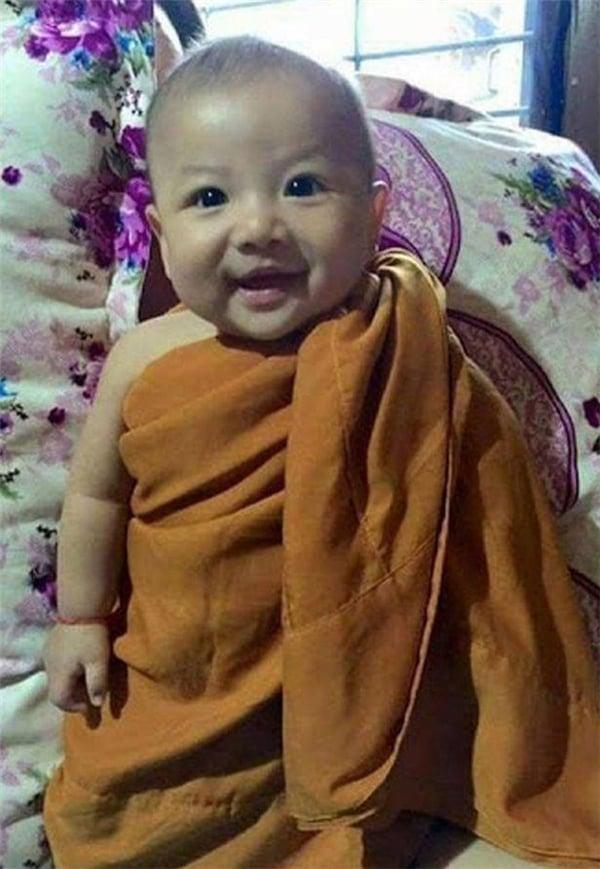 be-trai-hoi-sinh-than-ky-6-phunutoday.vn
