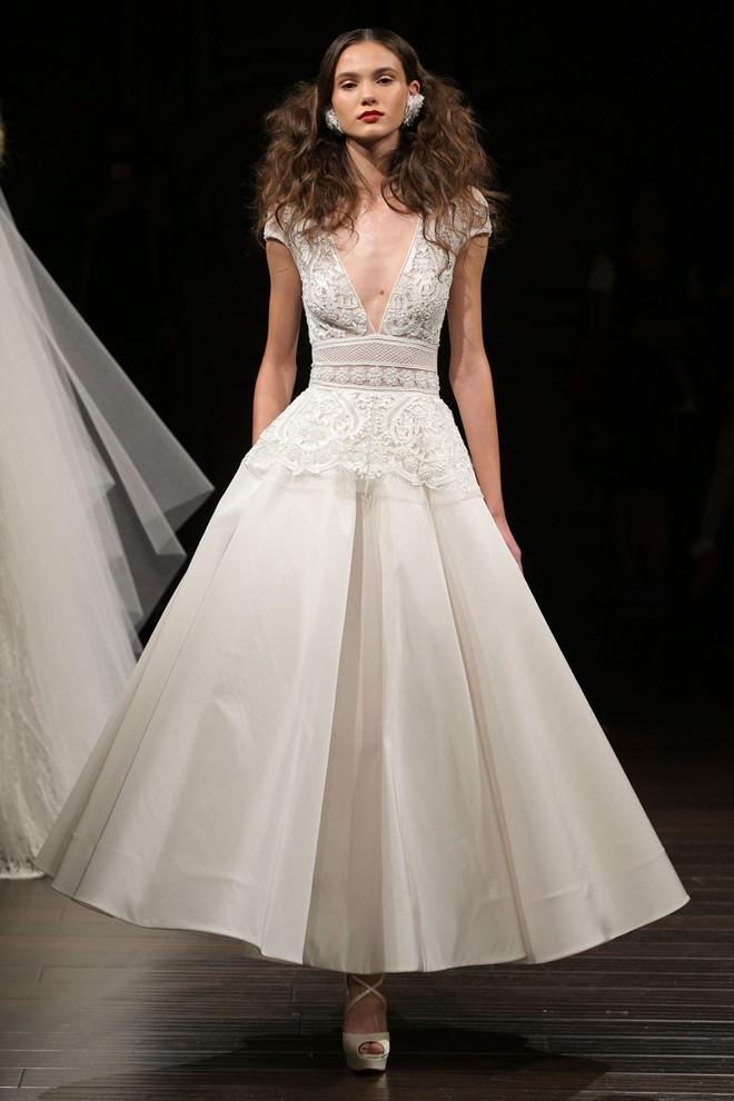 10 mẫu váy cưới ngắn đẹp nhất sàn diễn mùa thu