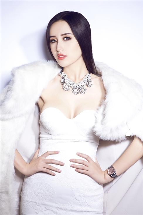 '. Ngỡ ngàng trước gia tài đồ sộ, khổng lồ của Hoa hậu Mai Phương Thúy .'