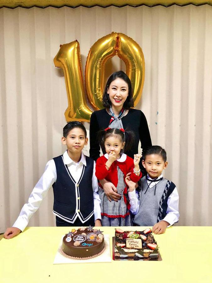 Hà Kiều Anh đang có cuộc sống viên mãn, hạnh phúc bên chồng và các con.