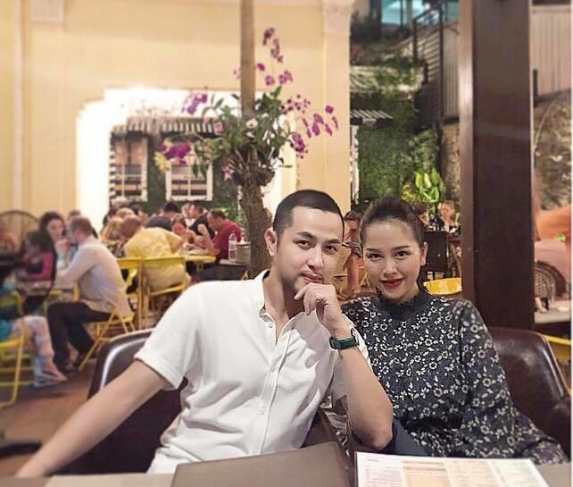 Trên trang cá nhân, Trang Pilla thường xuyên khoe những bức hình du lịch vui vẻ của hai vợ chồng.