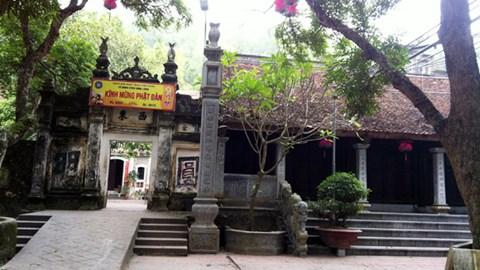 ngoi-chua-nhot-trung-tang phunutoday