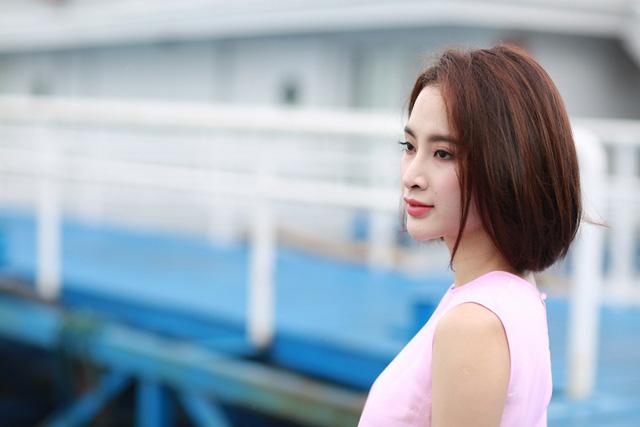 Đau xót trước câu chuyện sao Việt phải 'quằn mình' trang trải những món nợ khổng lồ vì chính đấng sinh thành
