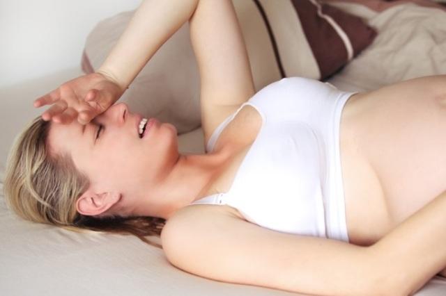 Mẹ bầu khóc càng nhiều sẽ gây hại đến sự phát triển của thai nhi