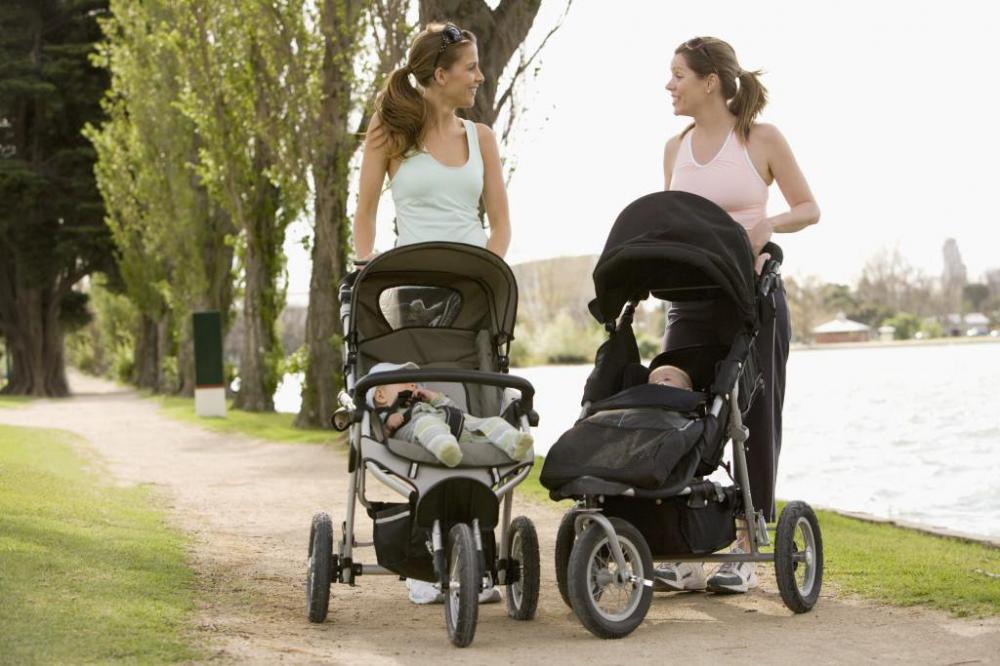 Mẹ cần làm những điều sau để khi cho trẻ sơ sinh đi ra ngoài