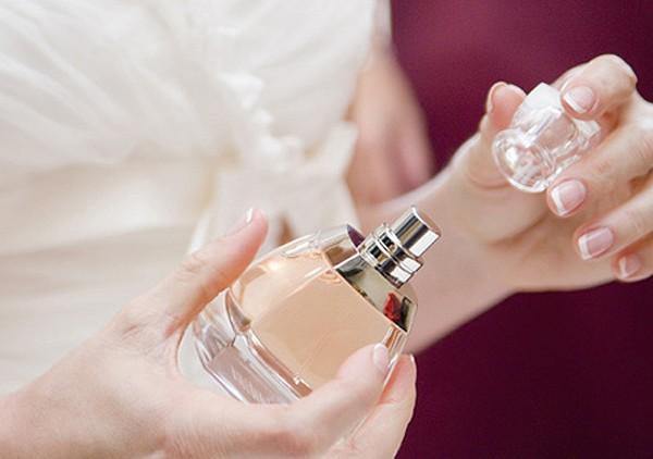 Mách nhau cách bảo quan nước hoa