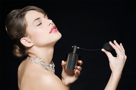 Việc bảo quản lọ nước hoa cẩn thận góp phần quan trọng trong việc giữ chất lượng mùi hương
