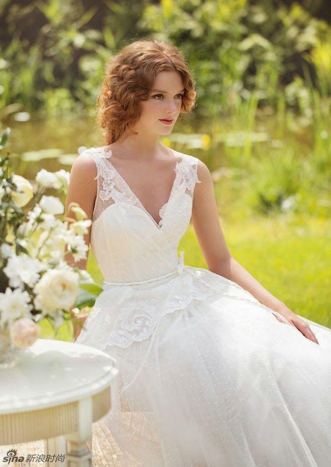 Cách chọn váy cưới trắng mùa thu cho cô dâu xinh đẹp
