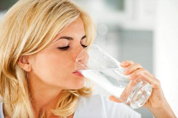 cách uống nước chữa bệnh của người Nhật