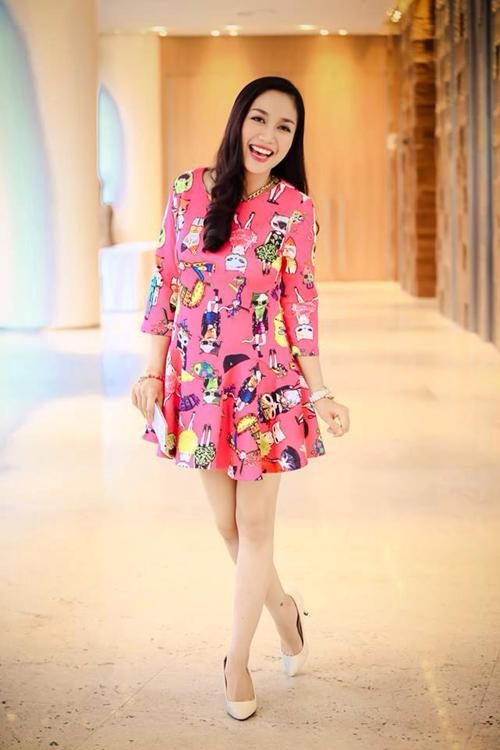 Diện thời trang bầu đẹp như 4 bà bầu Showbiz Việt 7