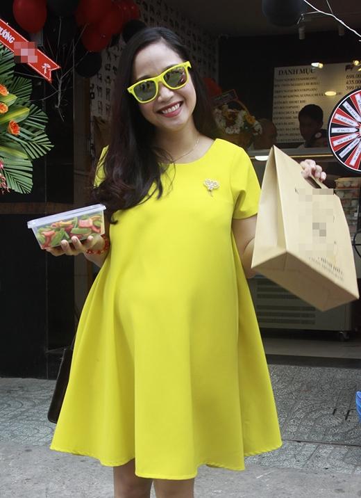 Diện thời trang bầu đẹp như 4 bà bầu Showbiz Việt 5