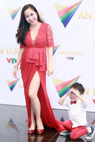 Diện thời trang bầu đẹp như 4 bà bầu Showbiz Việt 9