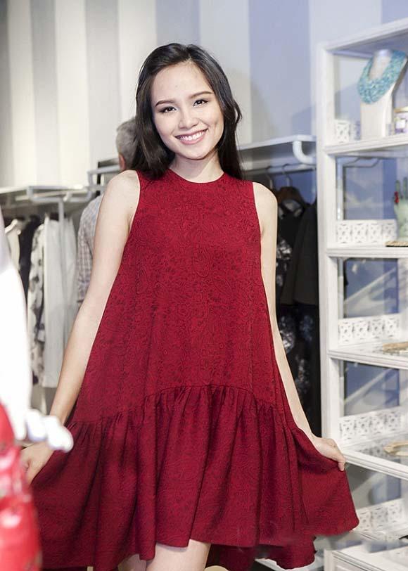Diện thời trang bầu đẹp như 4 bà bầu Showbiz Việt 17