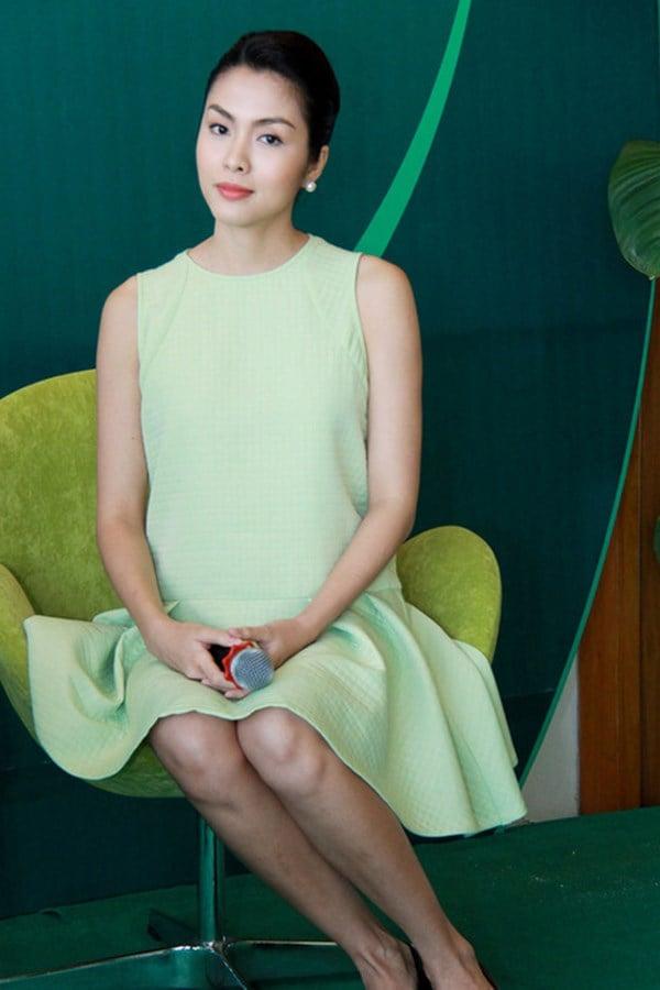 Diện thời trang bầu đẹp như 4 bà bầu Showbiz Việt 1