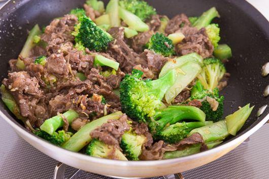 Kết quả hình ảnh cho Đơn giản với thịt bò xào súp lơ