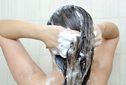 Bí quyết buộc tóc thông minh khi ngủ không gây hư tổn tóc