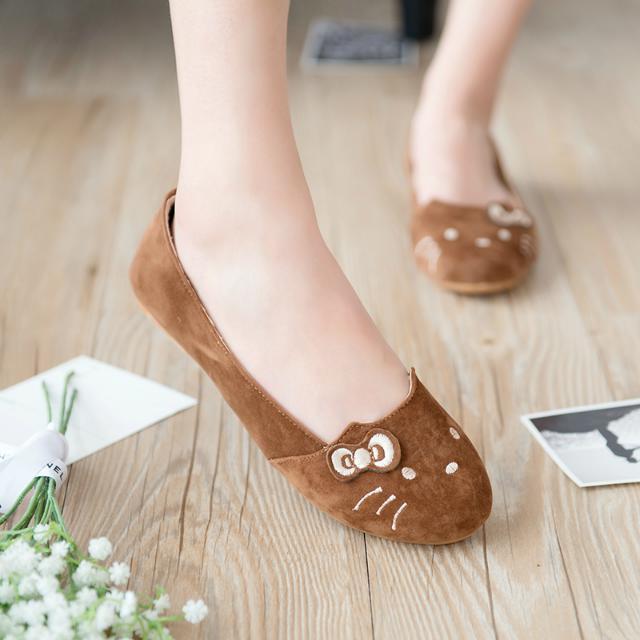 Mách bạn kiểu giày búp bê hợp với cá tinh
