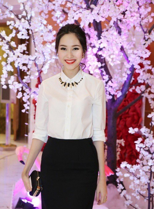 Học Hoa hậu Đặng Thu Thảo cách mặc sơ mi đẳng cấp