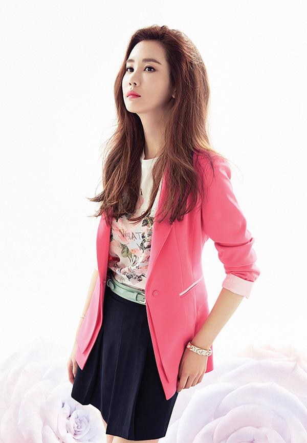 Học Lee Da Hae diện thời trang xuân hè tuyệt xinh