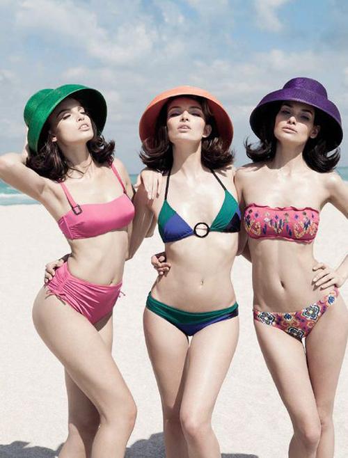 Mách bạn trang phục đi biển cho bạn gái đi chơi ngày nghỉ lễ
