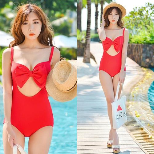 Gợi ý cách chọn bikini tăng phần gợi cảm cho kỳ nghỉ lễ ngoài biển