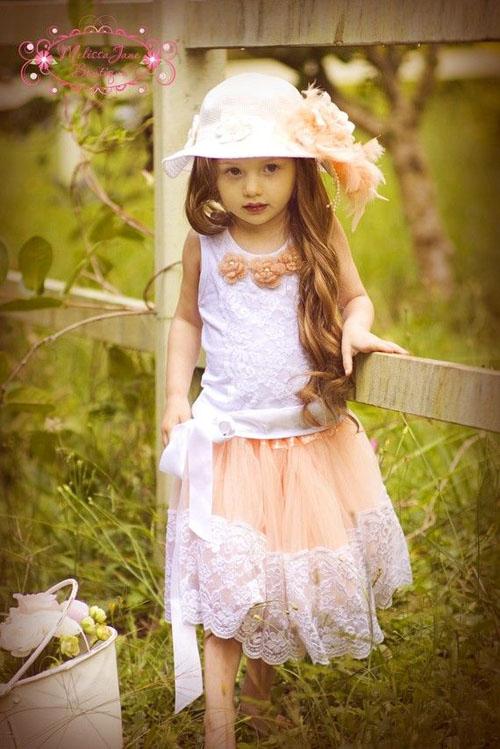 Mách mẹ chọn váy xinh cho bé yêu đi chơi trong ngày nghỉ lễ