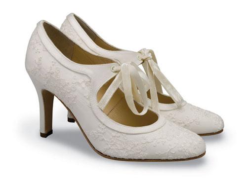 Mách bạn bí quyết chọn giày cưới đẹp cho cô dâu 8