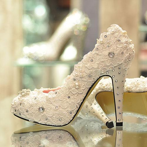 Mách bạn bí quyết chọn giày cưới đẹp cho cô dâu 3