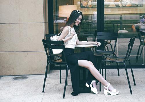 Mách bạn gái công sở cách mặc đồ cực xinh và gợi cảm