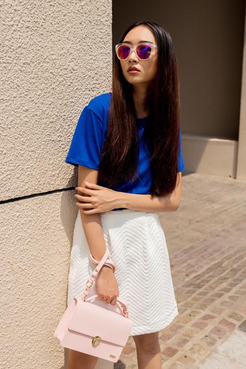 Cô nàng công sở phong cách với túi xách mini 4