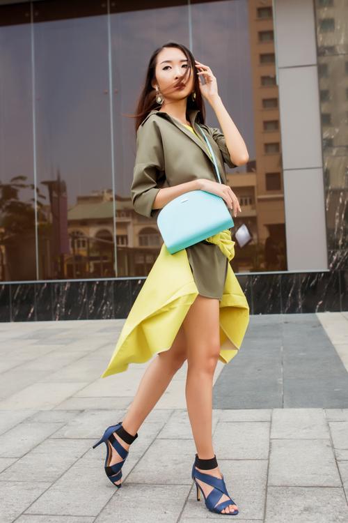 Cô nàng công sở phong cách với túi xách mini 9