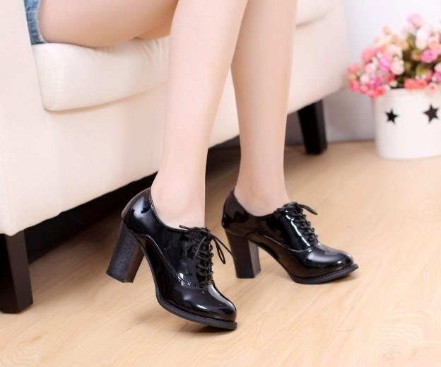 Bạn gái sành điệu với giày Oxford đa phong cách 14