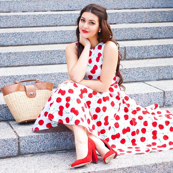 Mách bạn cách chọn váy công sở đẹp phù hợp vời mọi vóc dáng