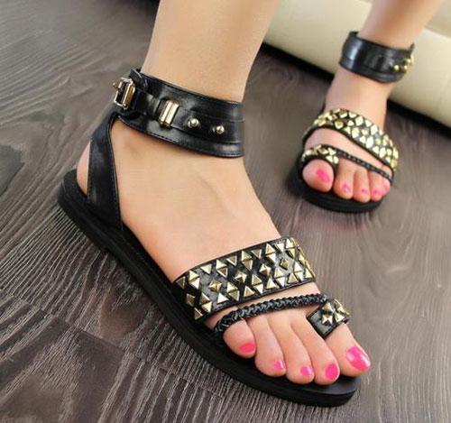Những kiểu sandal hè khiến chị em mê mẩn 9