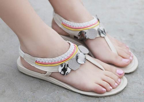 Những kiểu sandal hè khiến chị em mê mẩn 2