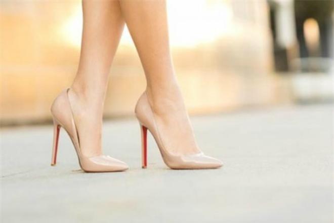 Mách chị em cách chọn giày phù hợp với từng vóc dáng người 2