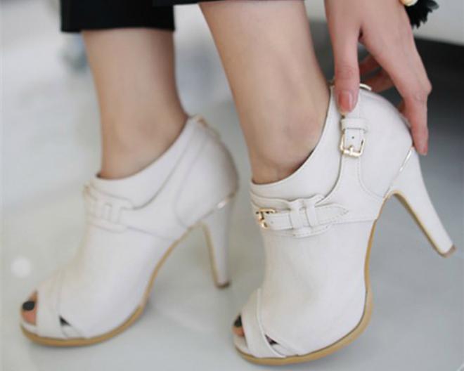 Mách chị em cách chọn giày phù hợp với từng vóc dáng người 3