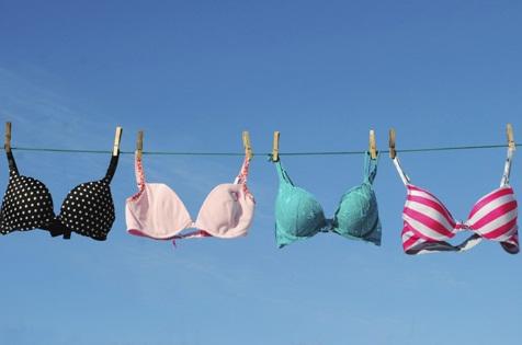 Mách bạn 7 bước đơn giản để giặt áo ngực bằng tay đúng cách 5