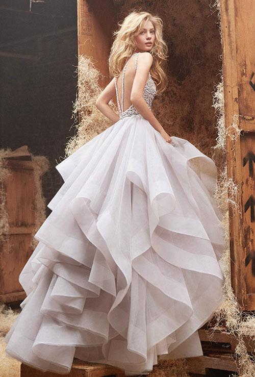 Váy cưới bồng bềnh cho mùa thu 1