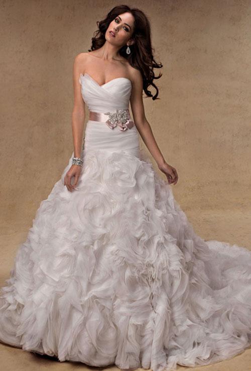 Váy cưới bồng bềnh cho mùa thu 3