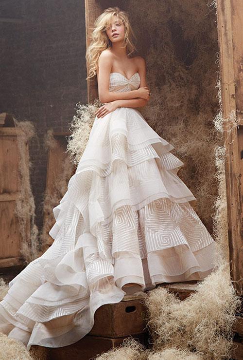 Váy cưới bồng bềnh cho mùa thu 2