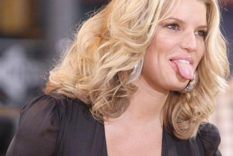 Nhìn biểu hiện của lưỡi đoán bệnh trong người
