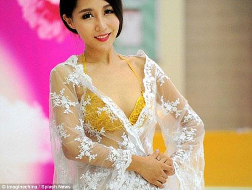 Chiêm ngưỡng chiếc áo lót được làm từ vàng ròng trị giá 13 tỷ đồng 5