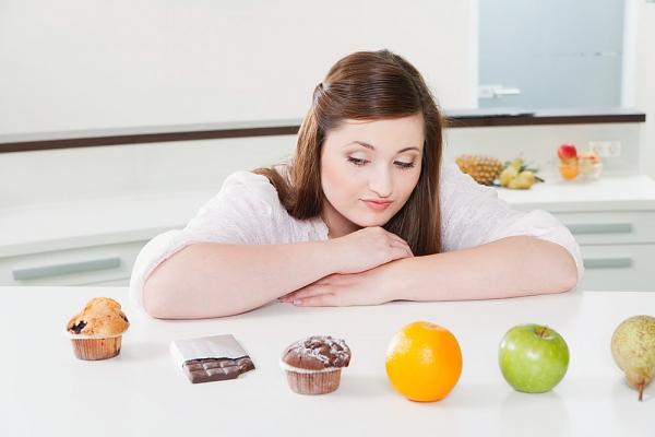 Sai lầm khi ăn uống khiến bạn vừa xấu vừa tăng cân