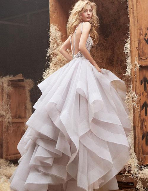 Nhãn hiệu váy cưới nào được lòng phái đẹp nhất? 12