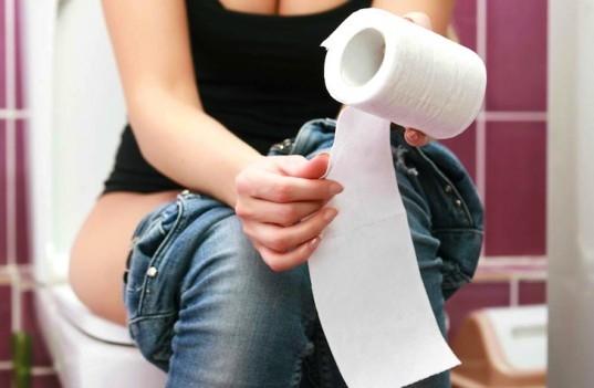 Thói quen gây hại trong nhà vệ sinh tuyệt đối nên lưu ý